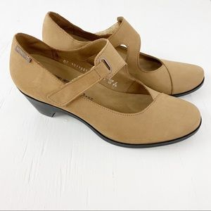 Mephisto Air Relax Leather Wedges Women's 8.5 Tan